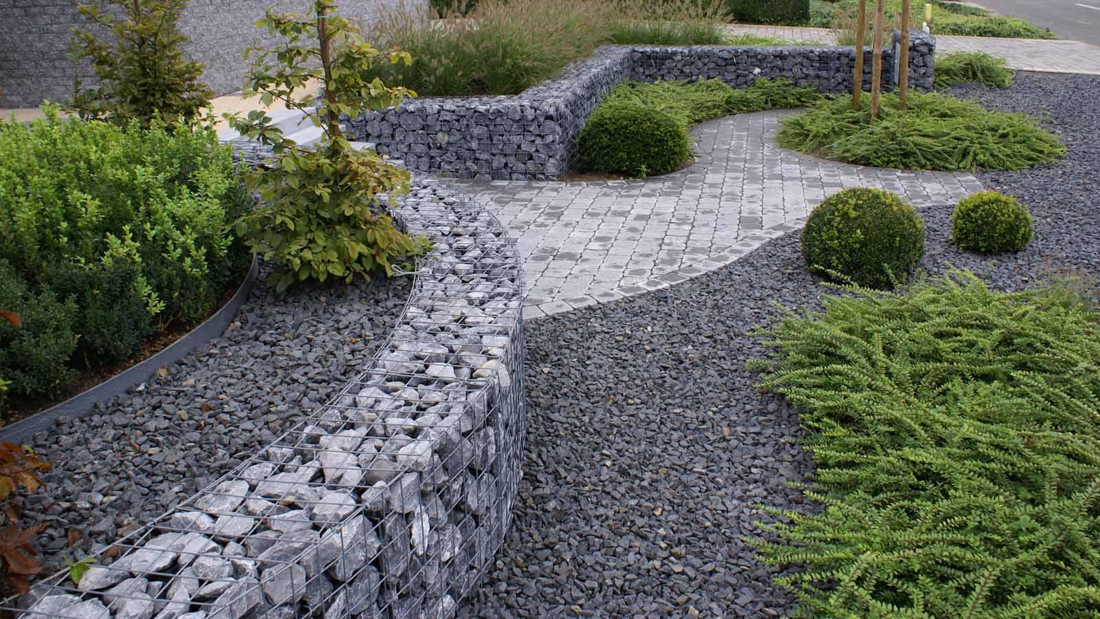 Steenkorven vullen met natuursteen